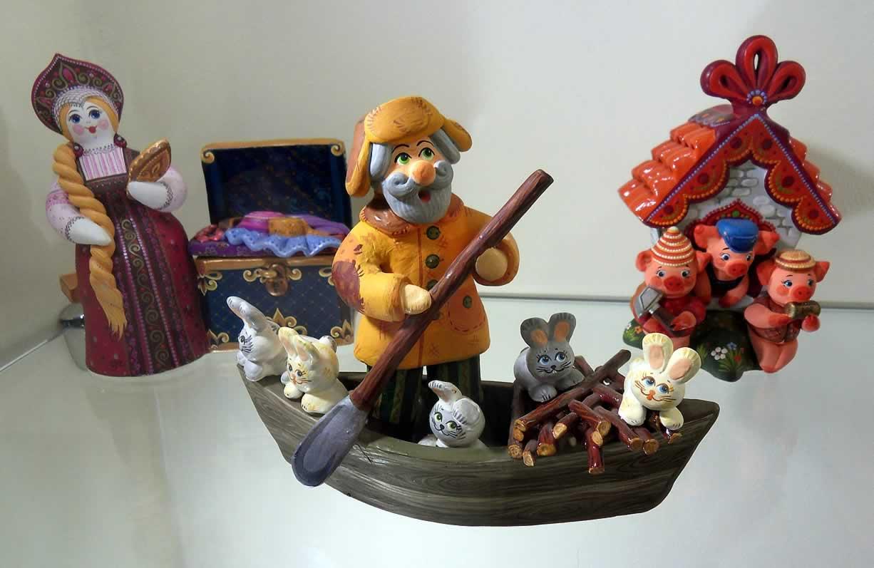 """Ковровская глиняная игрушка: """"Дед Мазай и зайцы"""""""